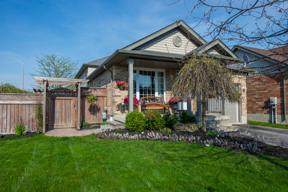 1 Palace Court Orangeville Real Estate Listing