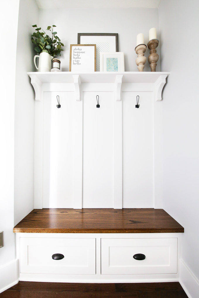 Mudroom-Bench-with-Decorated-Shelf-Empty-Hooks.jpg