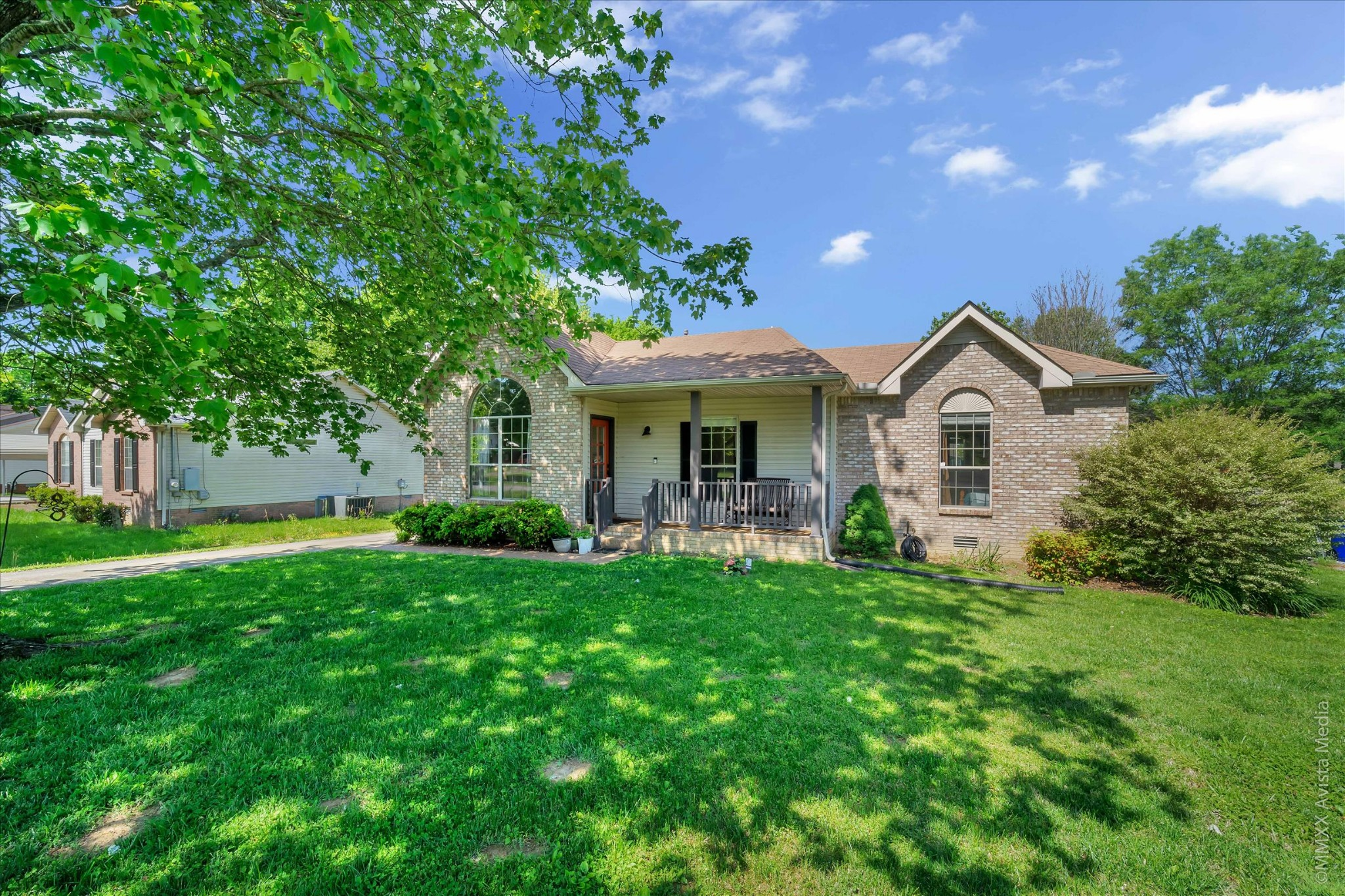 Charming 3 BR/2 BA Home In White House!  208 Sycamore Dr., White House, TN.  37188