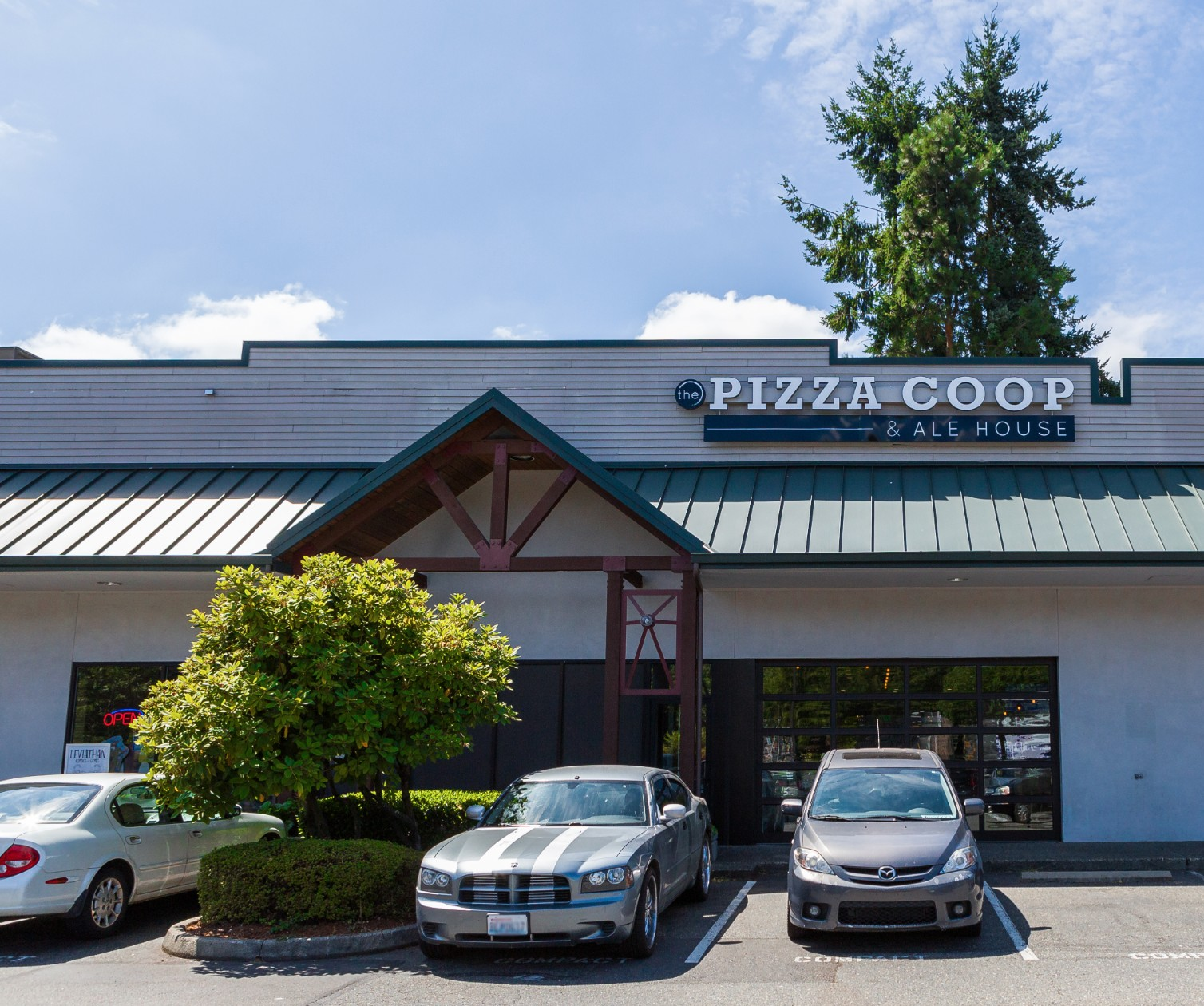 WindermereNorth_Woodinville_ThePizzaCoopandAleHouse.jpg