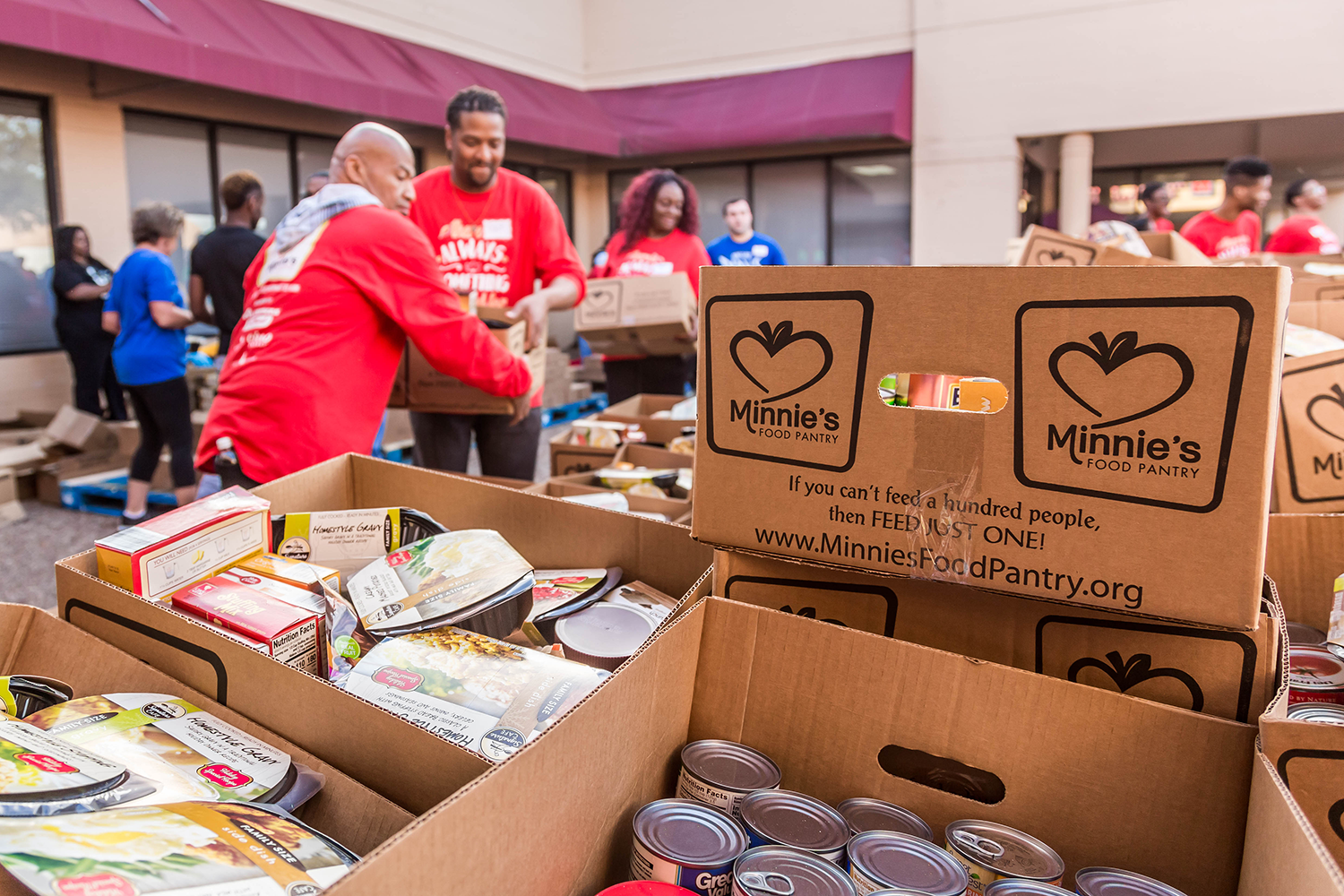 Minnies-Food-Pantry-pic-Shertzer-Plano-Magazine-boxes.png