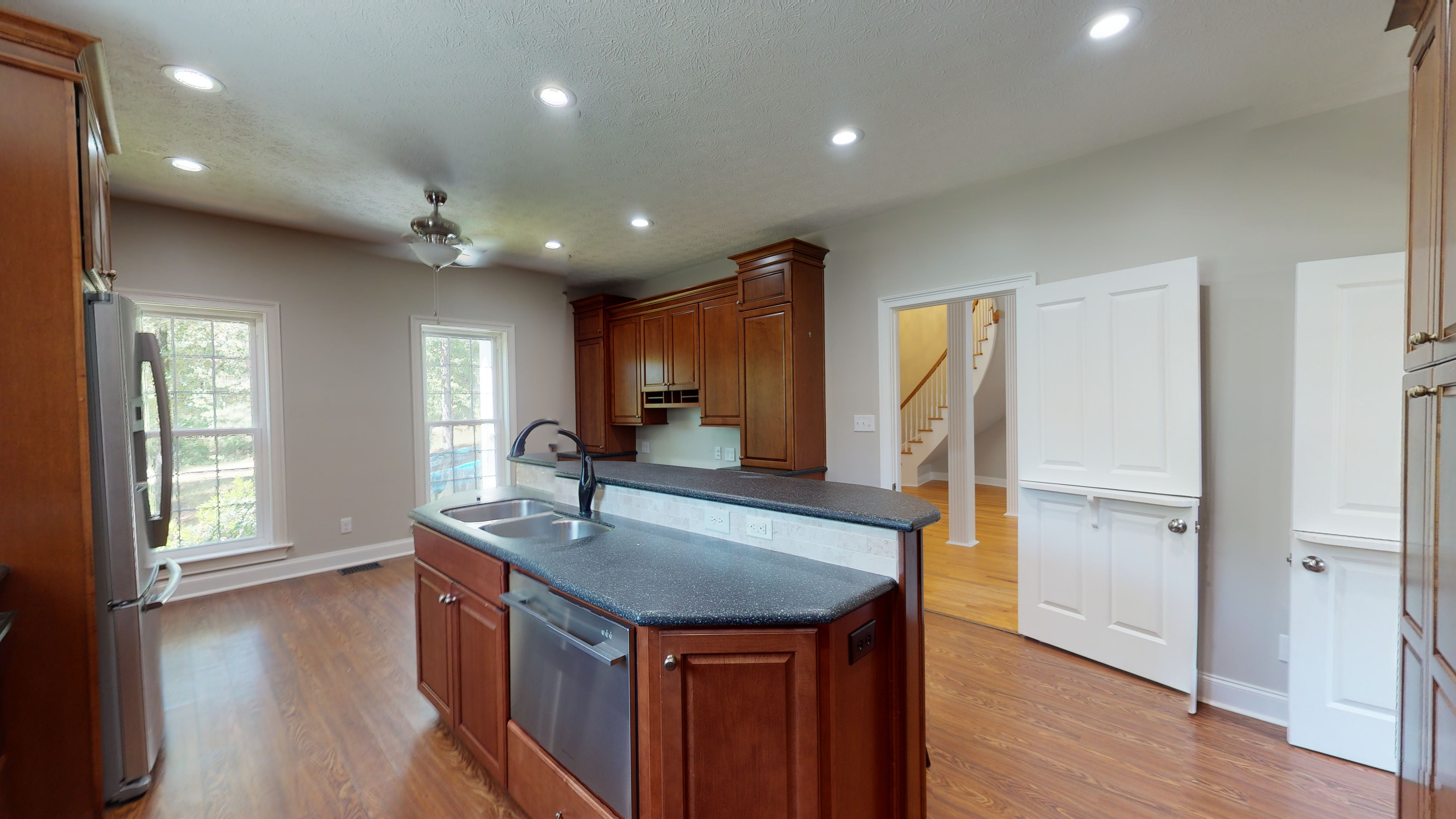 FOR SALE IN PRATTVILLE! 3 BED 3 BATH AT 1050 CHOCTAW RIDGE ROAD