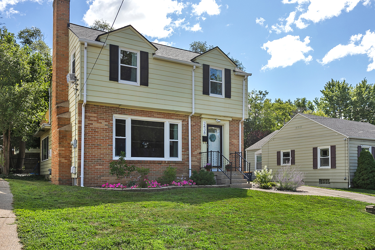 Just listed in Alger Heights!