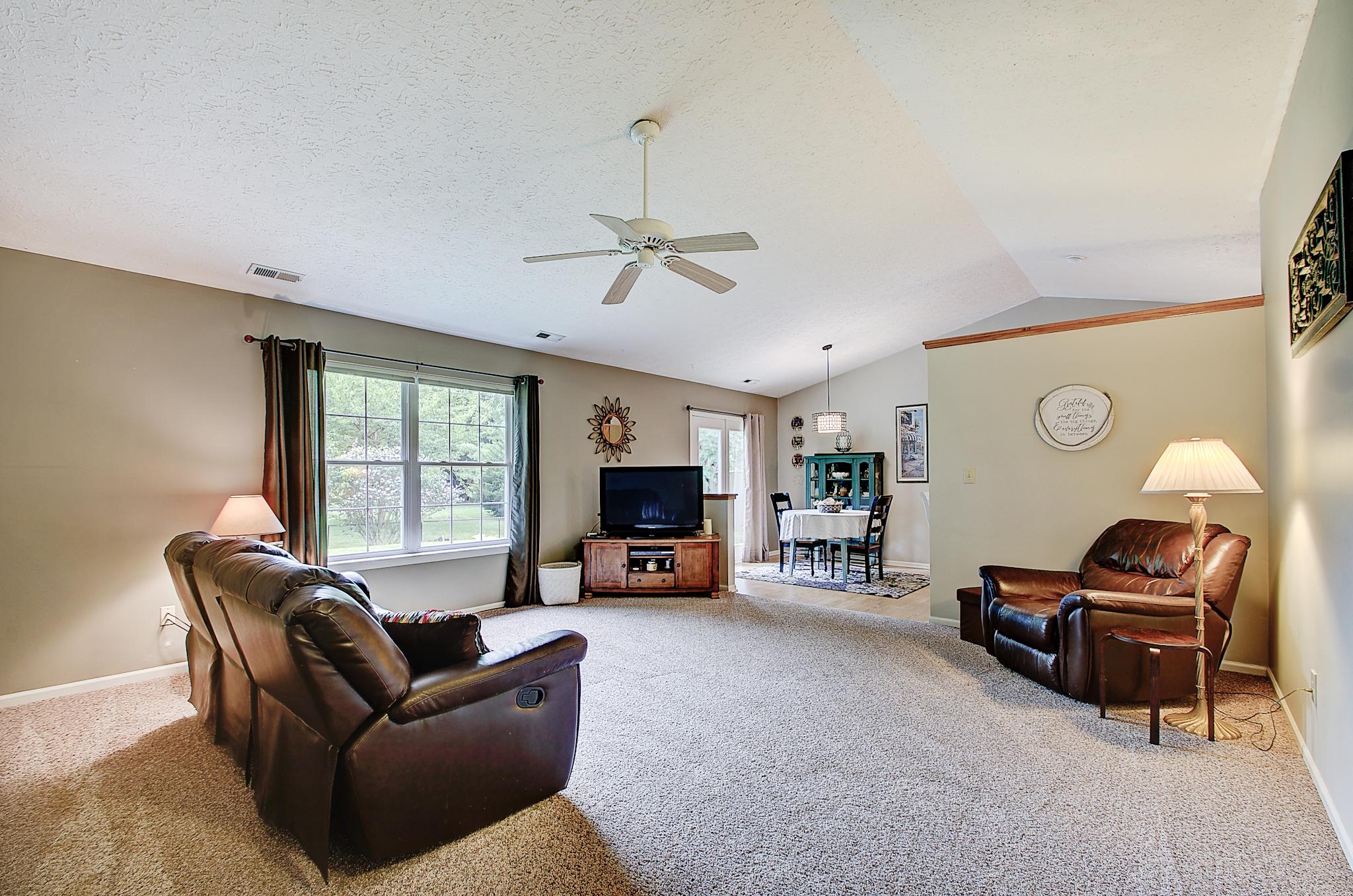 3-Great Room.jpg