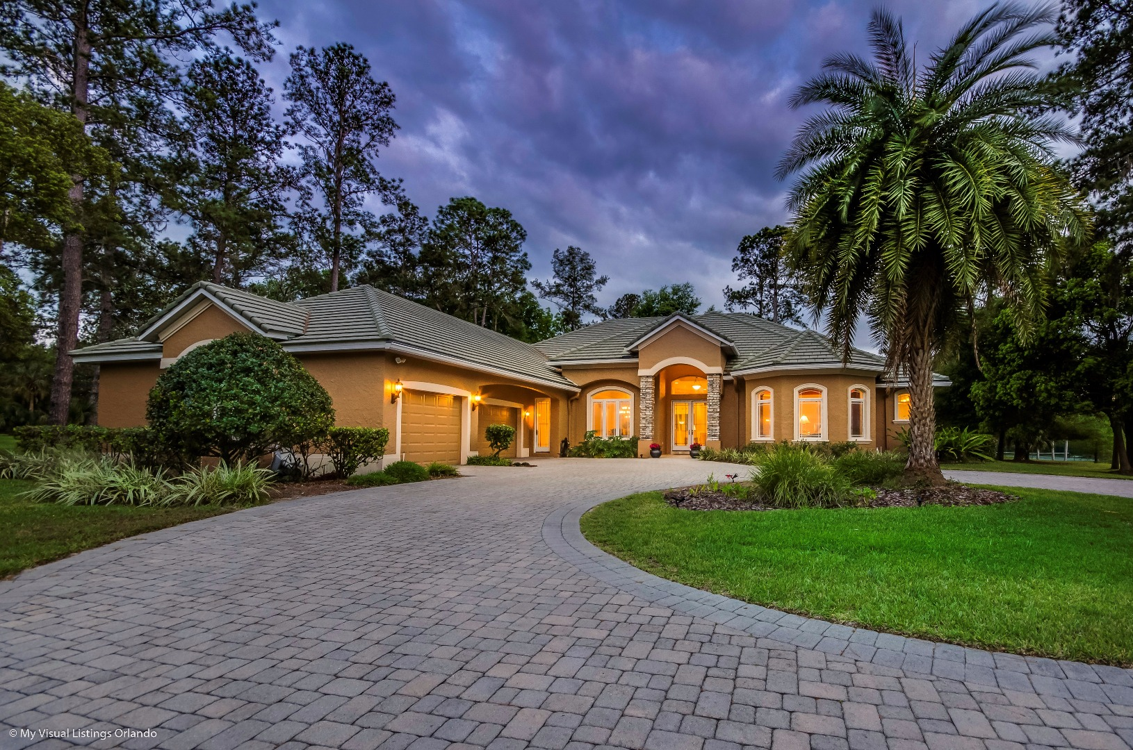Just Listed River Crest custom home!