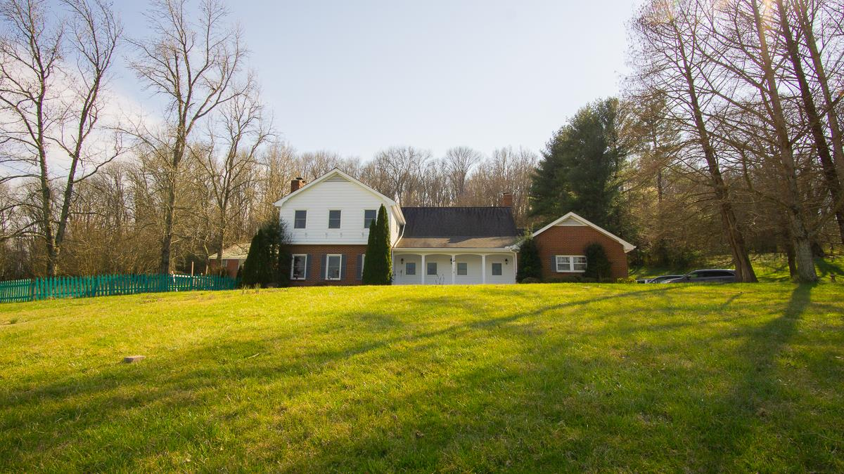 Charming Home In The Country, But Convenient To Everything! Located At 1702 Williamson Rd, Goodlettsville, TN.  37072