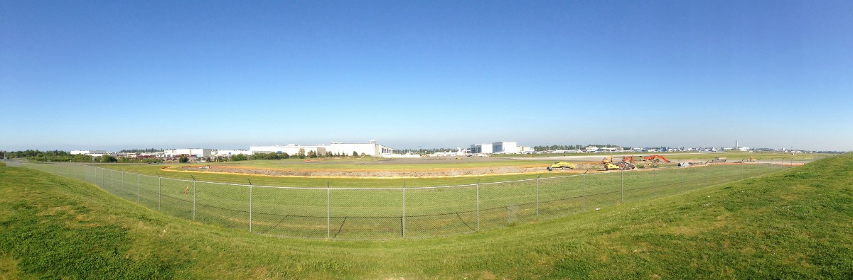 WindermereNorth_Mukilteo_-Boeing-Everett-Factory-and-Paine-Field-panorama.jpg