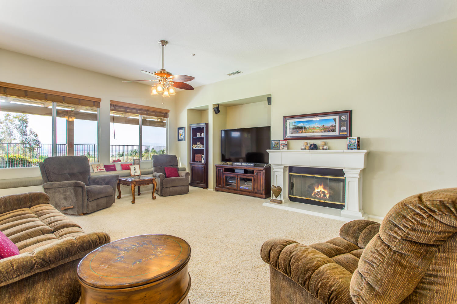 29649 Water St Highland CA-large-012-021-Family Room-1500x1000-72dpi.jpg