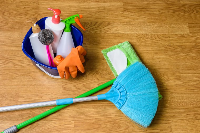 4 Cleaning Hacks of Stagers When They're in a Rush