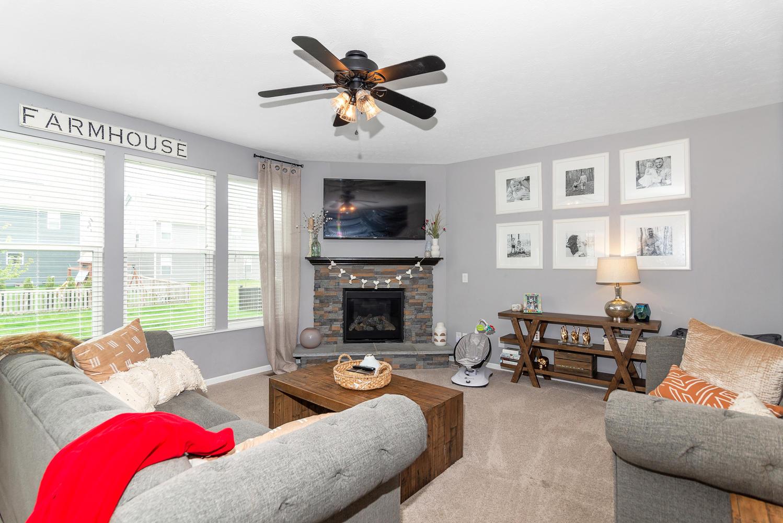 15716 Millwood Dr Noblesville-large-006-9-Family Room-1498x1000-72dpi.jpg