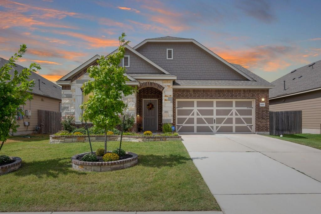 Round Rock Home for Sale on Mantalcino Drive!