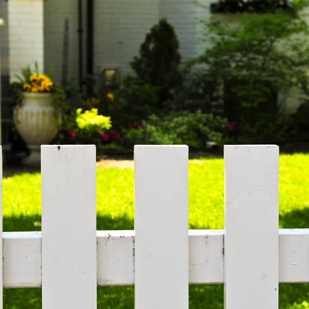Front yard picket fence.png