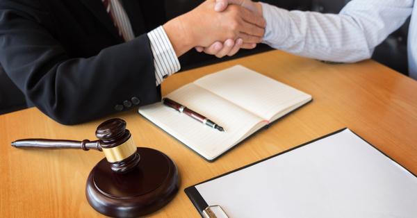 hr_and_legal_collaboration_5dd68c267030a.jpg