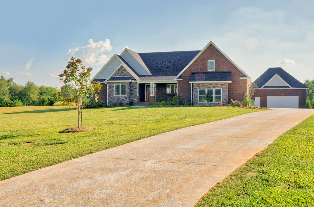 BEAUTIFUL ALL BRICK HOME LOCATED IN DESIRABLE WIND WOOD ESTATES 111 Wind Wood Dr Portland TN Home For Sale