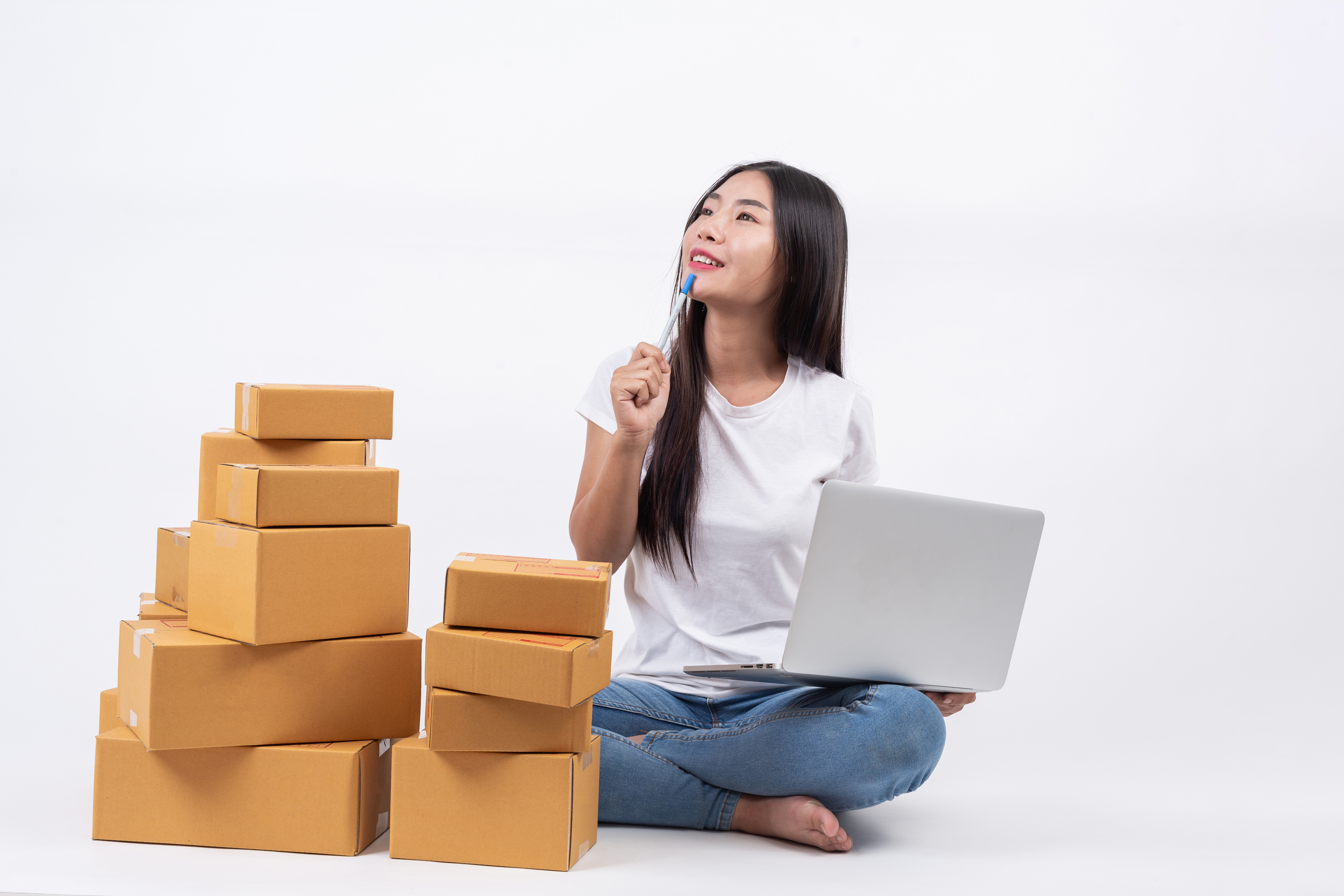 happy-women-who-are-thinking-white-blackground-online-shopping-business-operators-independent.jpg