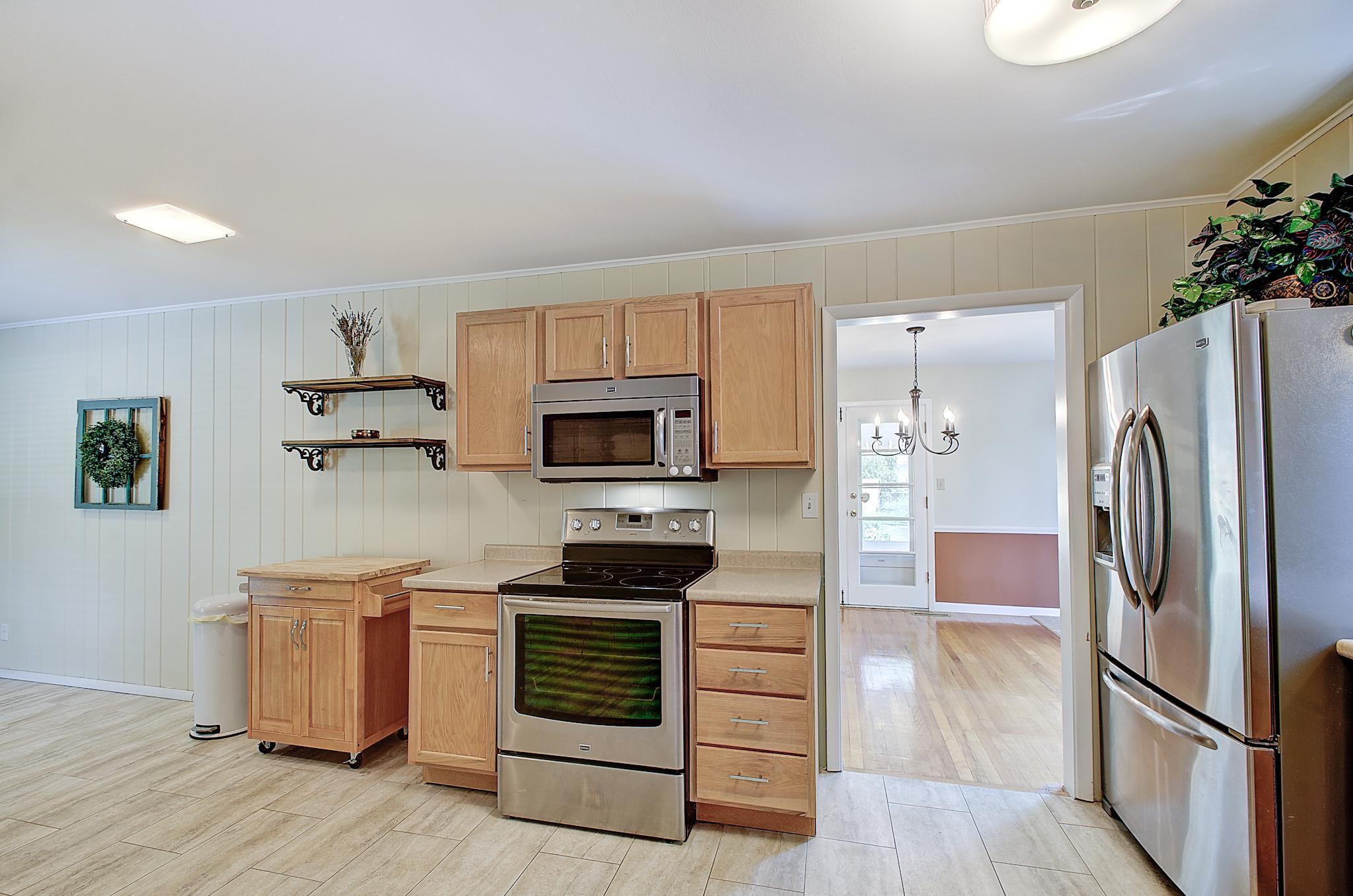 6-Kitchen View 2.jpg