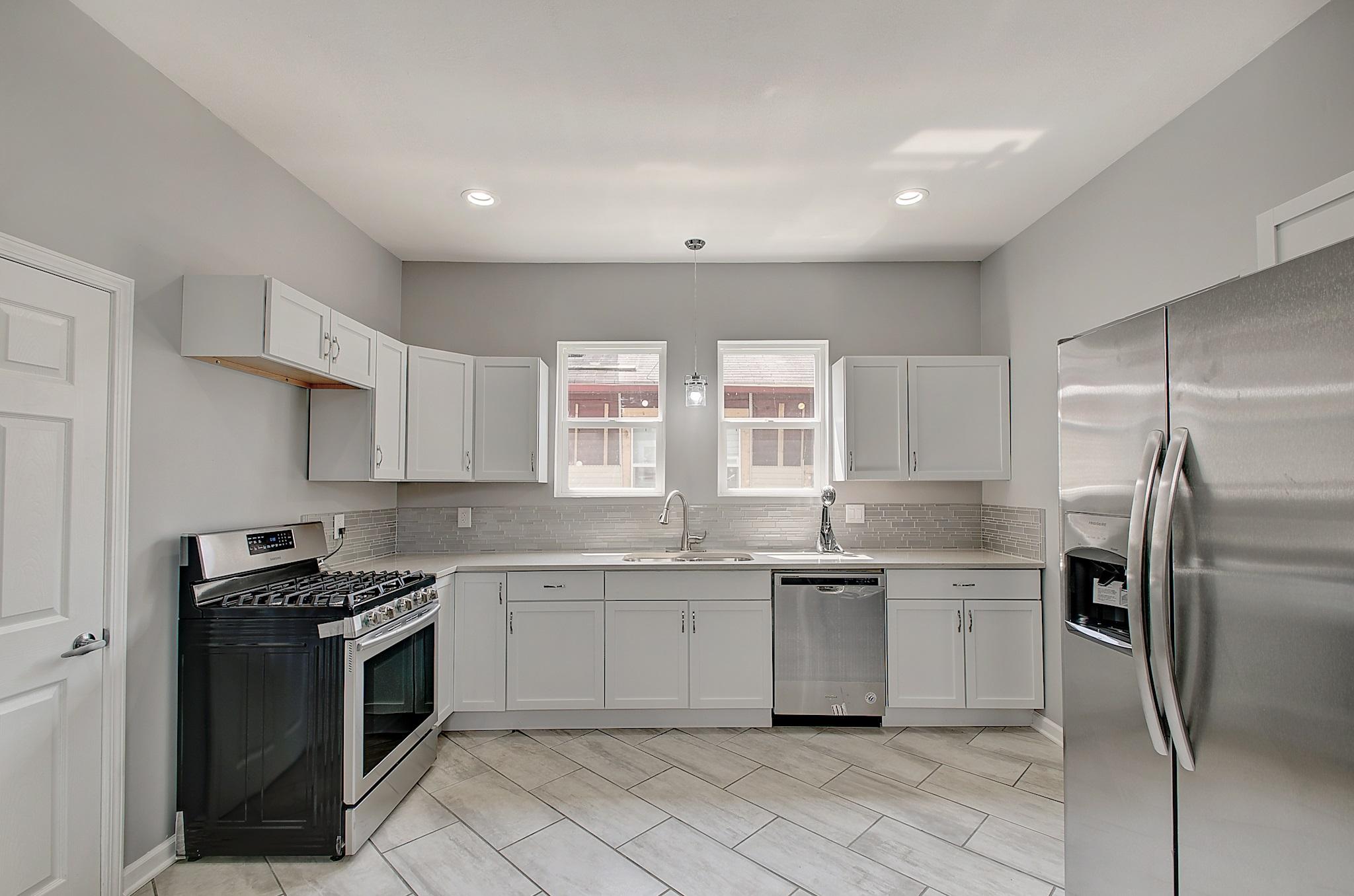9-Kitchen View 3.jpg