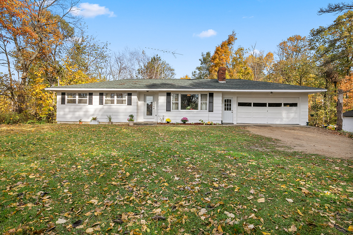 New listing! 47404 W Red Arrow