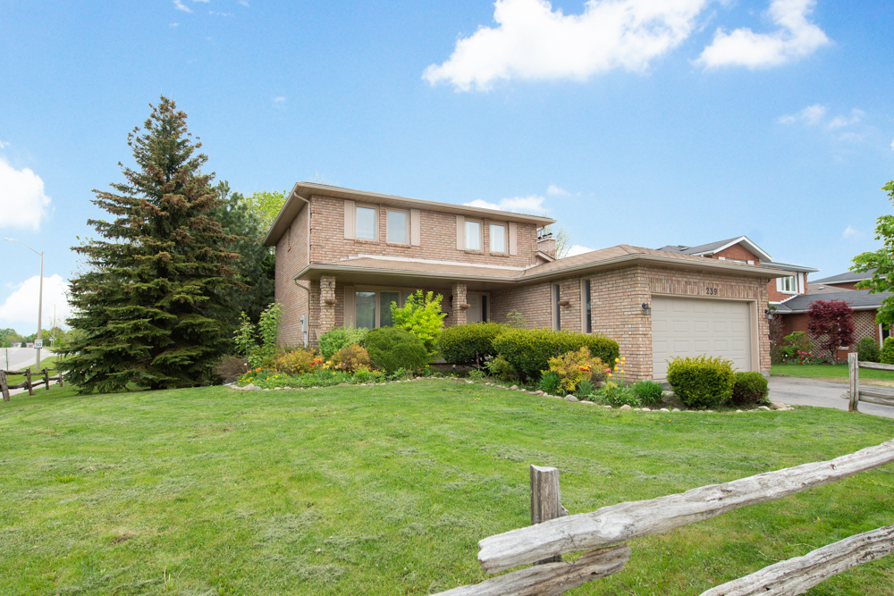 239 Credit Creek Blvd Orangeville EXCLUSIVE Real Estate Listing