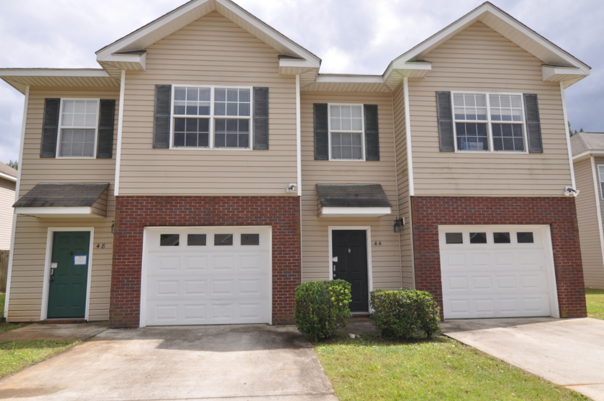 FOR RENT IN ELMORE! 3 BED 2 BATH AT 132 PINE MEADOW CIRCLE